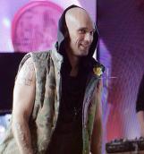 Лигалайз снялся в сериале «Два отца и два сына»