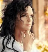 Певица Слава представила новый клип «Спелый мой»