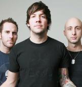 Simple Plan выпустили видеоклип на песню «Opinion Overload»