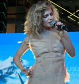 RUSSIAN MUSICBOX подарили представительницам прекрасного пола весенний праздник